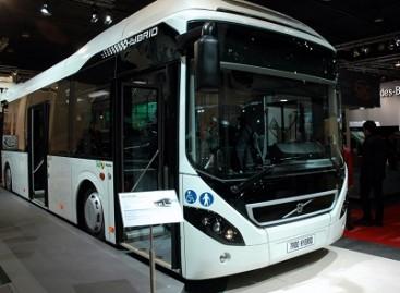 """Šveicarai bendradarbiaus su """"Volvo"""" kurdami elektrinius bei hibridinius autobusus"""