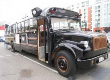 Restoranas – mokykliniame autobuse