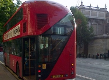 Londone – raudonųjų dviaukščių autobusų šventė