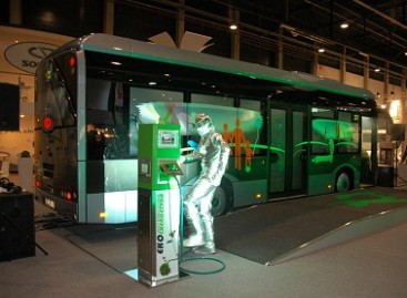 Didžiojoje Britanijoje pasirodė elektriniai autobusai