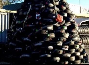 Kalėdų eglutės – iš padangų