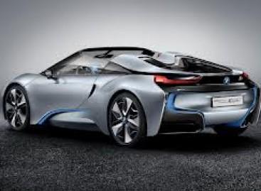 BMW 2016-aisiais pateiks superautomobilį M8 (video)