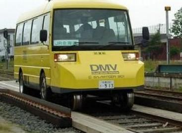 Autobusas – ir geležinkelio bėgiais