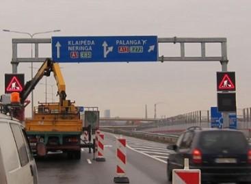 Kelyje Kaunas-Klaipėda – valdomi kelių ženklai