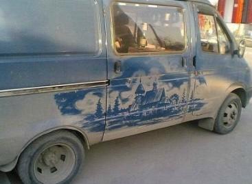 Piešiniai – ant purvinų automobilių