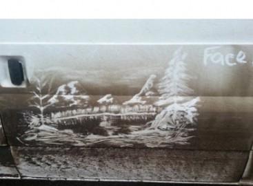 Piešiniai – ant apdulkėjusių furgonų