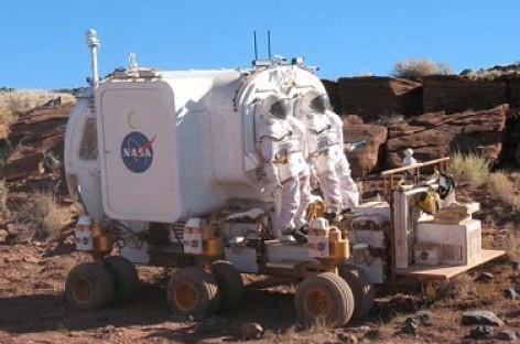 Mėnulio autobusas su dvylika ratų
