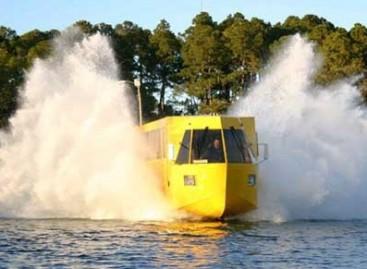 Rio de Ženeire – plaukiojantis autobusas