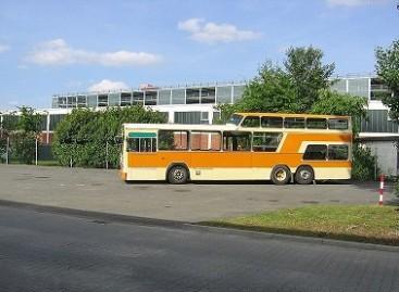 """""""Pusantraaukščiai"""" autobusai"""