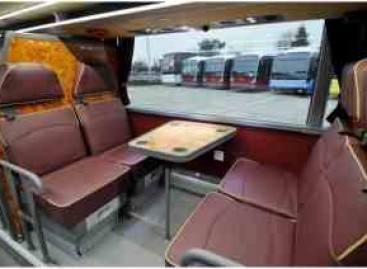 """""""Van Hool"""" pristatė autobusą su miegamosiomis vietomis"""