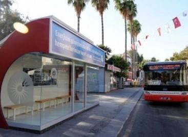 Autobusų stotelės su kondicionieriais