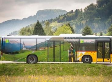 Šveicarijoje – prie landšafto priderintas autobusas