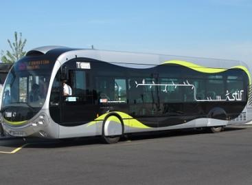 Prancūzijoje surinkti autobusai keliaus į Azerbaidžaną