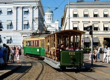 Į Helsinkio gatves išvažiavo senovinis tramvajus