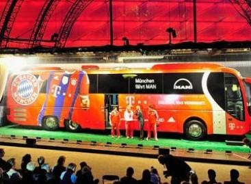 """Futbolo klubas """"Bavarija"""" pristatė naują autobusą"""