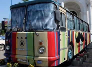 Kavinė – sename autobuse