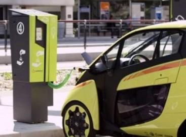 """Elektriniai """"Toyota"""" pakeis viešąjį transportą Grenoblyje"""