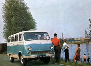 Sovietinių automobilių reklamos