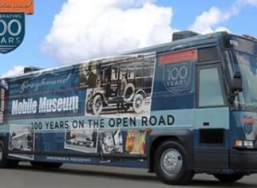 """Amerikos """"Pilkasis skalikas"""" švenčia 100 metų jubiliejų"""