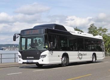 """""""Scania"""" pristatė hibridinį autobusą"""