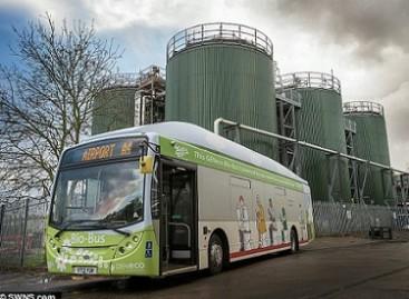 Didžiojoje Britanijoje – atliekomis varomas autobusas