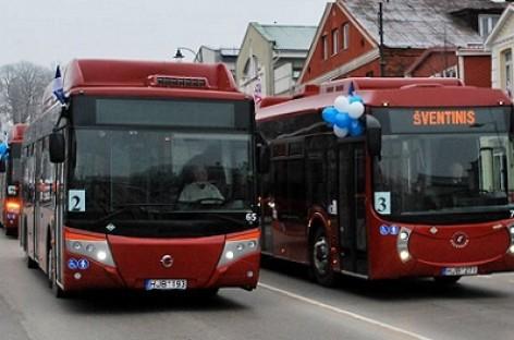 Telšiuose pristatyti nauji autobusai