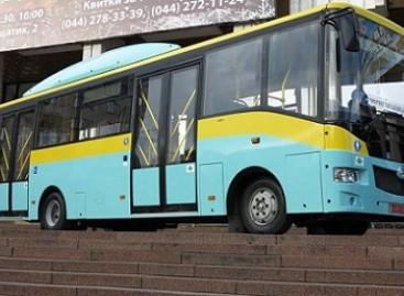 """""""Etalon"""" pristatė dujinį autobusą"""