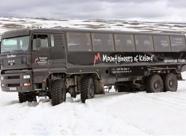 Islandiškas autobusas sunkvežimis – bekelei