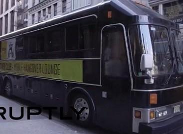 """""""Pagirių autobusas"""" teikia pagalbą Niujorko girtuokliams"""
