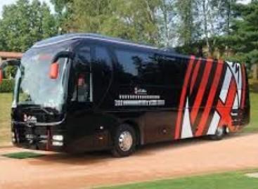 """Krizė: """"Milan"""" nusprendė parduoti komandos autobusą"""