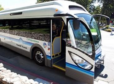 JAV elektriniai autobusai keleivius veža už dyka