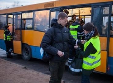 Vilniuje kontrolieriai viešojo transporto keleiviams išdalino beveik 3000 atšvaitų