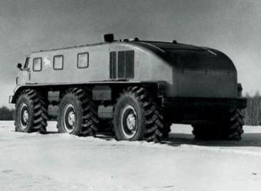 """""""ZiL- Э167"""" – autobusas bekelei"""