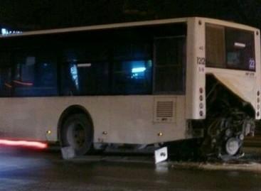 Iš miesto autobuso iškrito ir užsidegė variklis