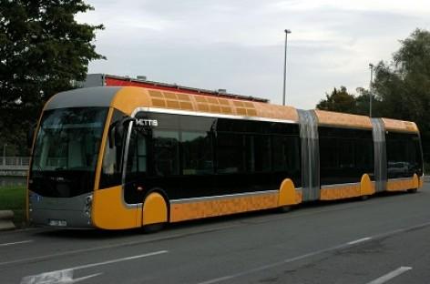 Kauniečiai įsigijo ilgiausių autobusų Lietuvoje