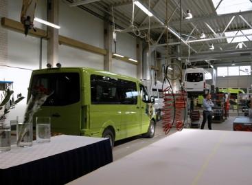 """""""Altas komercinis transportas"""" pristatė naujas gamyklos patalpas"""