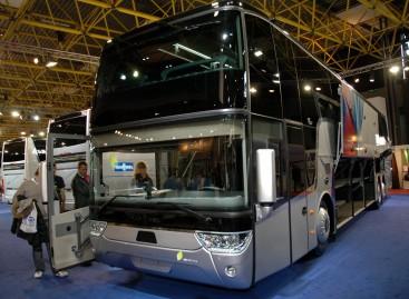 Estų žurnalistai išbandė škotų milijardieriaus autobusus