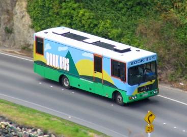 Biblioteka – autobuse
