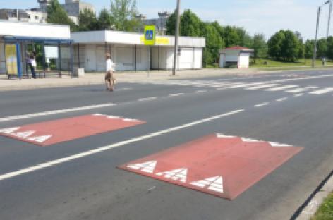 Kaune įrengtos viešajam transportui draugiškos greičio mažinimo salelės
