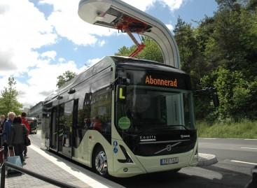 """Naujieji elektriniai """"Volvo"""" – iš arti"""