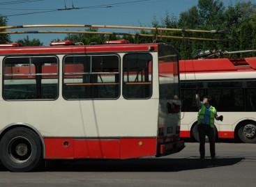 Paaiškėjo geriausi autobusų, troleibusų vairuotojai bei vairuotojai sargai