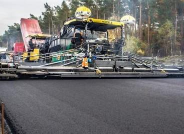 Penkiolikos metrų pločio asfalto danga – vienu kartu