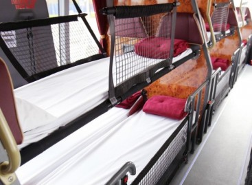 """Megabus Gold"" siūlo autobusus su miegamosiomis vietomis"