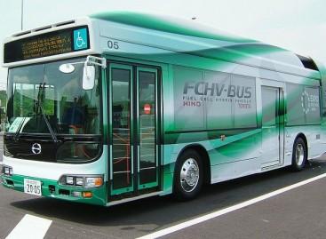 Tokijuje išbandomi vandeniliniai autobusai