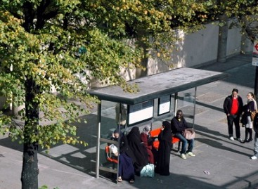 Mokslininkai: nepažįstamasis autobuse gali būti jūsų tolimas giminaitis