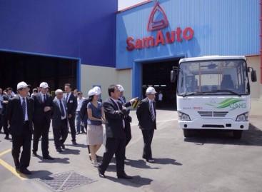 """Uzbekijos gamintojai pristatė dujinį """"Isuzu"""" autobusą"""