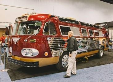 """""""Vyriškas"""" autobusas"""