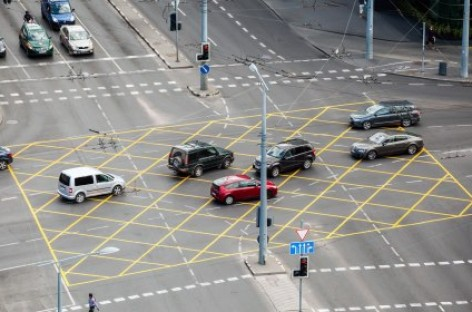 Sostinės gatvėse – naujos Lietuvoje saugaus eismo priemonės