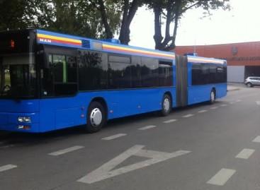 Pirmieji uostamiesčio autobusai jau perdažyti naujomis spalvomis