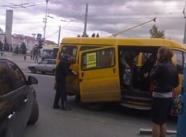 Rūstūs Rusijos mikroautobusai